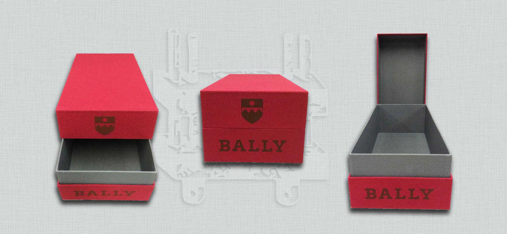 Realizzazione di scatole su misura in tela - Legatoria Borghi in centro a Milano